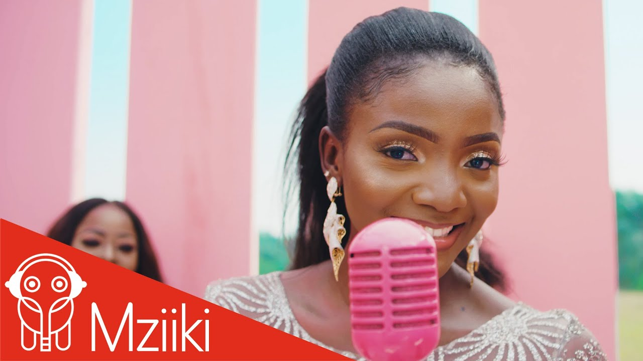 VIDEO: Simi – Ayo